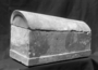 120983: marble sarcophagus and lid