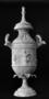 24926: Tarentine vase with light terra
