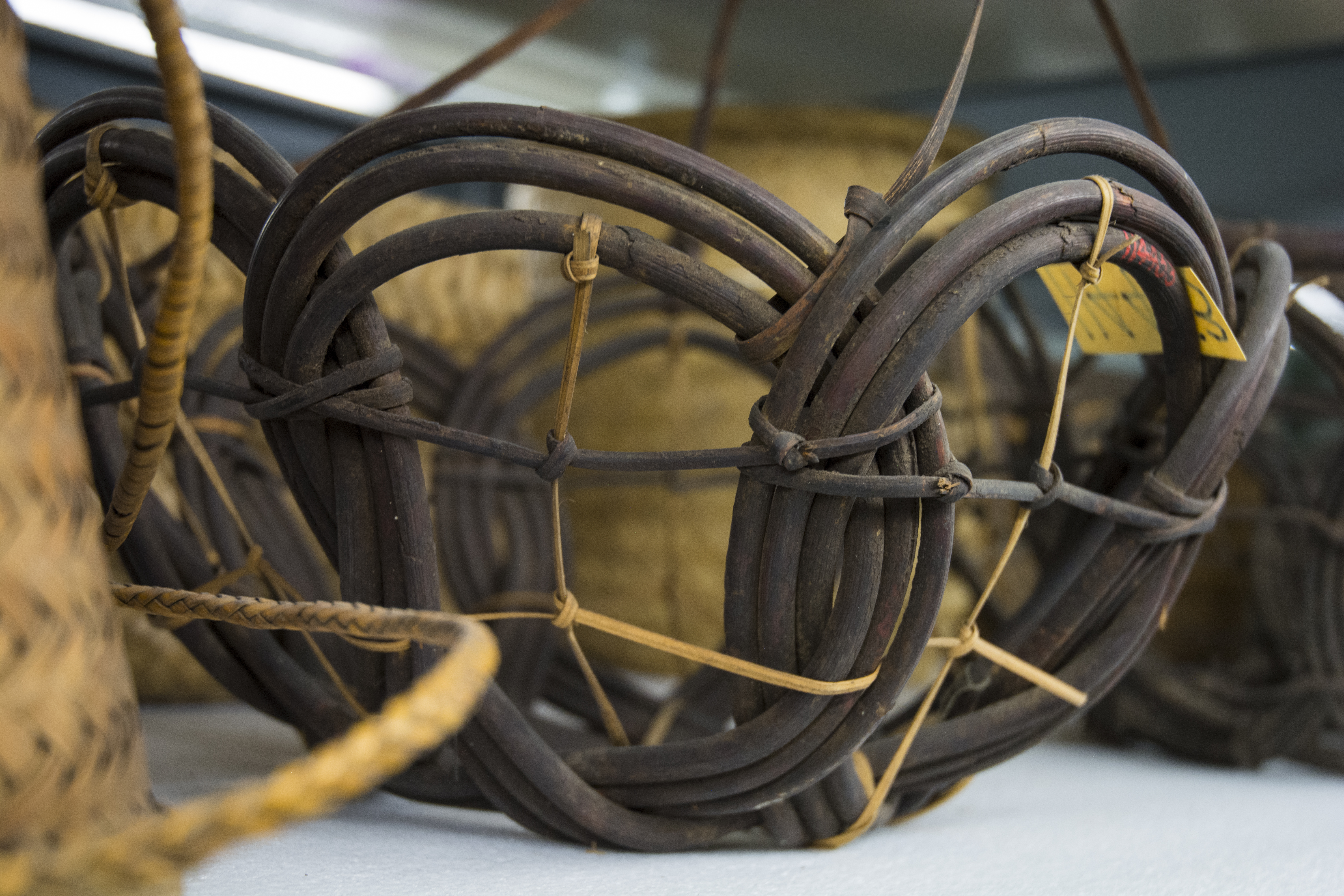 Close up of bamboo hanger in the Philippines Collection. (c) Field Museum of Natural History - CC BY-NC