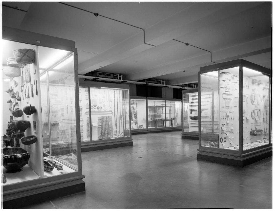Hall A Philippines overall view documentary record of exhibit cases and dioramas before deinstallation (c) Field Museum of Natural History - CC BY-NC