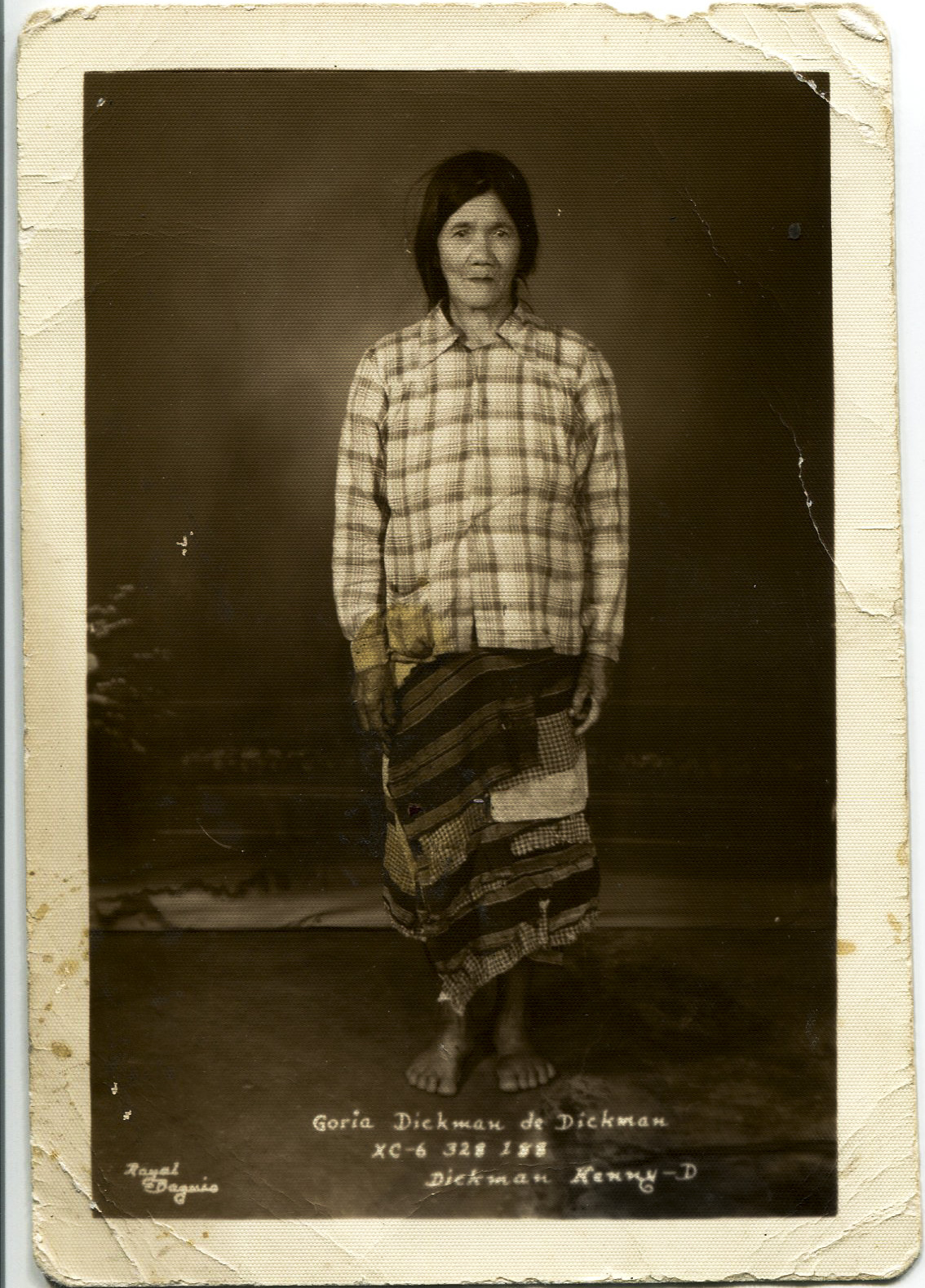 Gloria Dickman, Carol Lamen's great-grandmother, taken in Baguio, Philippines.   Any views, findings, conclusions, or recommendations expressed in this story do not necessarily represent those of the National Endowment for the Humanities. [Copyright] Field Museum of Natural History - CC BY-NC