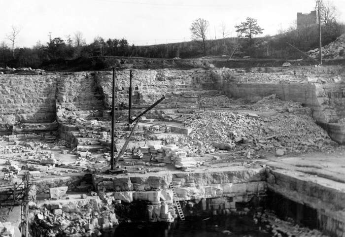 Photo of stone quarry in Niagara dolomite at Wauwatosa.